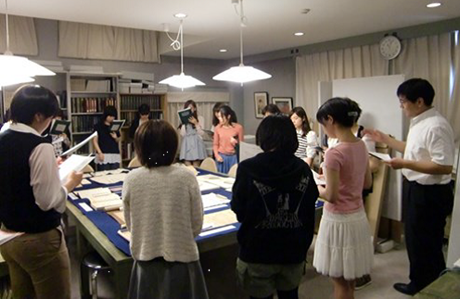 Photo of Keio University students with special collections