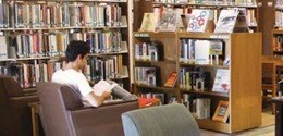 Image of student at Woodbury University Library
